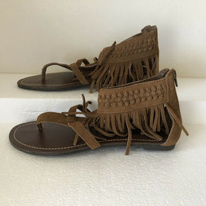 Minnetonka camel colored sandals - womens 10 - NWT